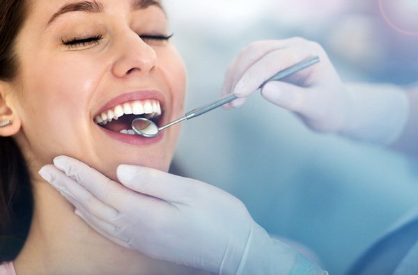 Dental Implants and teeth whitening in sharjah